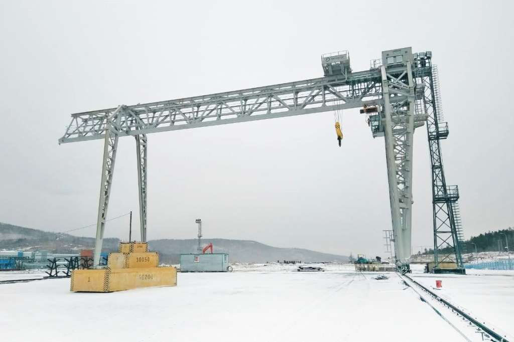 Gantry crane up to minus 50